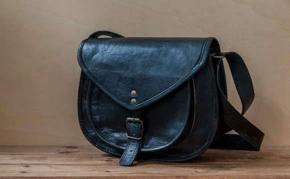 LEATHER CROSSBODY BAG - 3