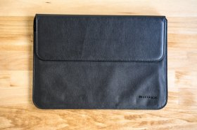laptop-sleeves-cases-9318-snugg-leather-sleeve